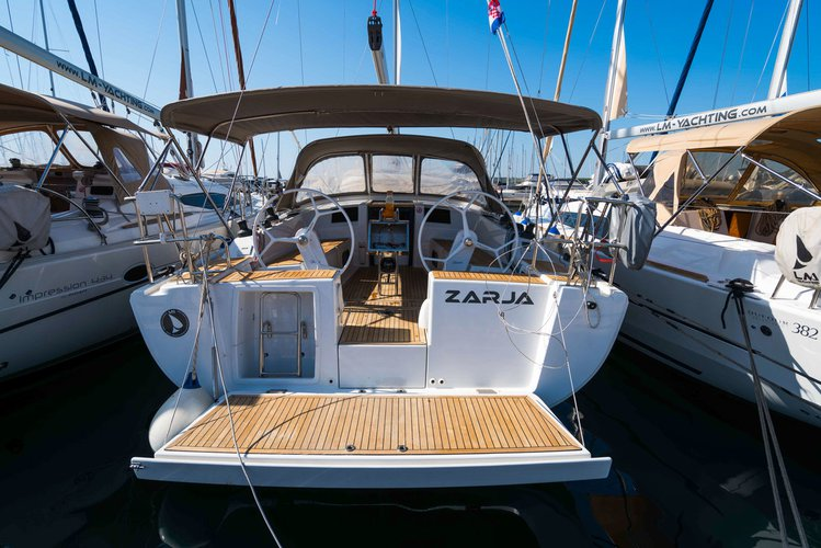 Get on the water and enjoy Zadar region in style on our Hanse Yachts Hanse 385