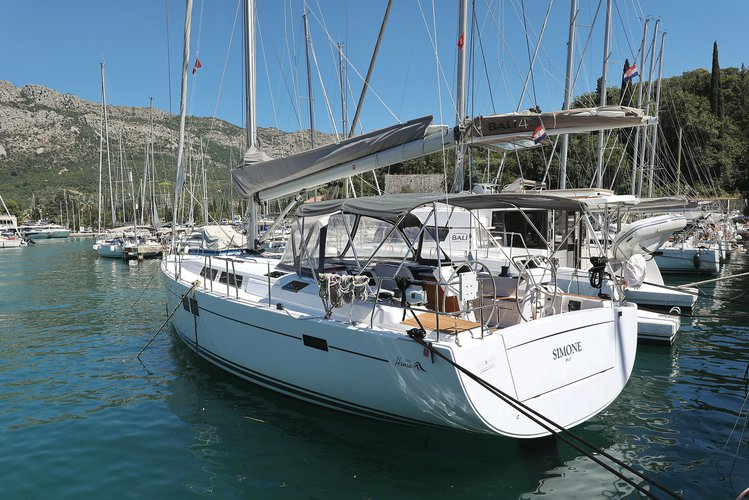 Hop aboard this amazing sailboat rental in Dubrovnik region!