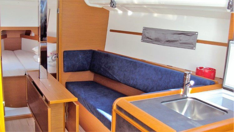 Discover Istra surroundings on this Sun Odyssey 349 Jeanneau boat