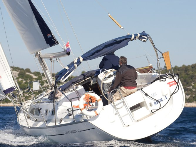 Relax on board our sailboat charter in Murter