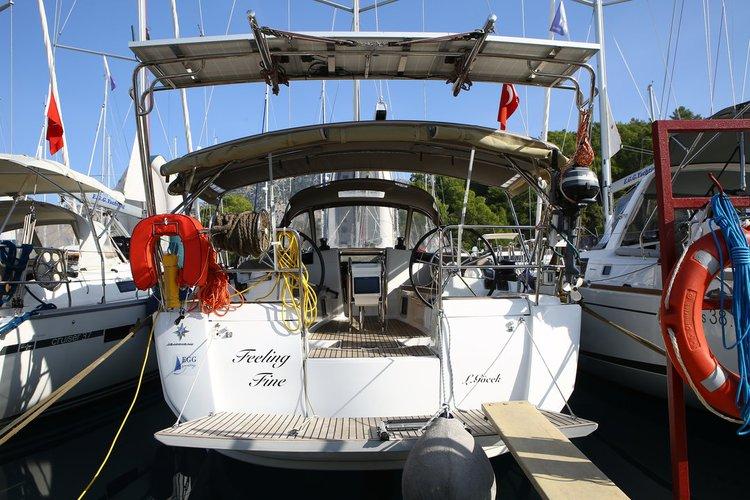Jeanneau's 41.0 feet in Aegean