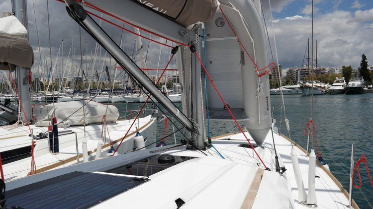 Discover Saronic Gulf surroundings on this Sun Odyssey 419 Jeanneau boat