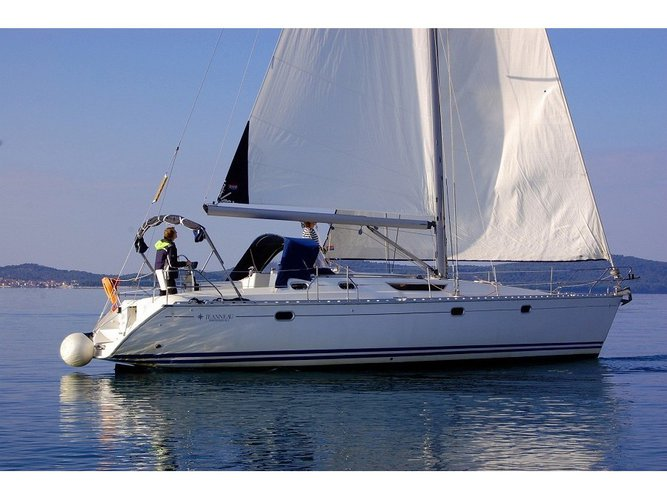 Unique experience on this beautiful Jeanneau Sun Odyssey 42.2