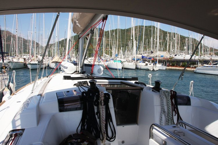 Discover Aegean surroundings on this Sun Odyssey 439 Jeanneau boat