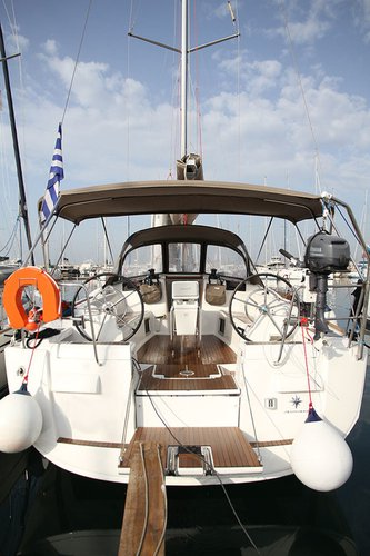 Enjoy luxury and comfort on this Jeanneau Sun Odyssey 439 in Cyclades