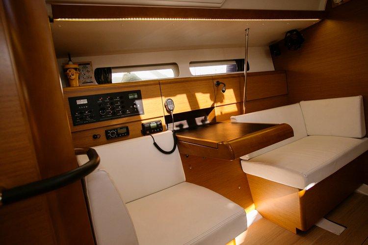 Boat for rent Jeanneau 43.0 feet in Athens - Marina Alimos (Kalamaki), Greece