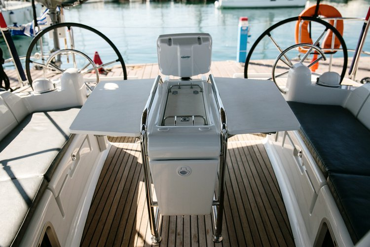 Jeanneau's 43.0 feet in Saronic Gulf