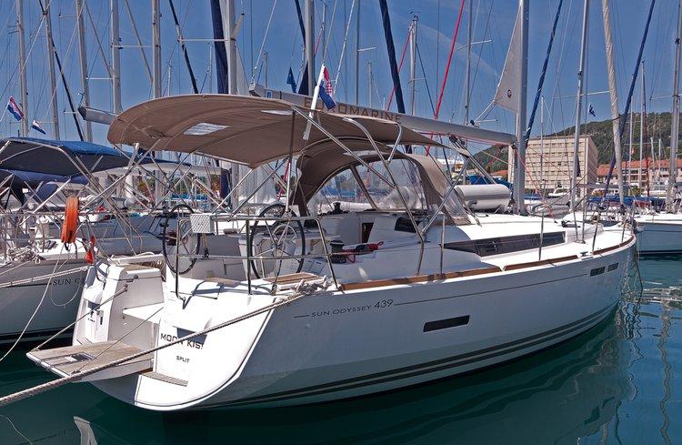 Rent this Jeanneau Sun Odyssey 439 for a true nautical adventure