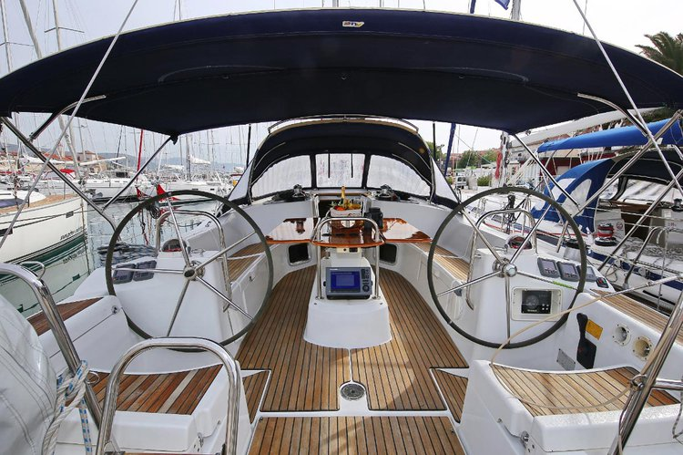 Charter this amazing Jeanneau Sun Odyssey 44i in
