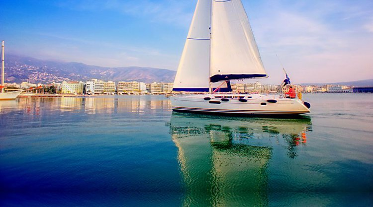 Get on the water and enjoy Thessaly in style on our Jeanneau Sun Odyssey 44i