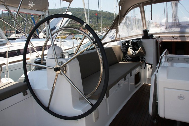 Discover Aegean surroundings on this Sun Odyssey 479 Jeanneau boat
