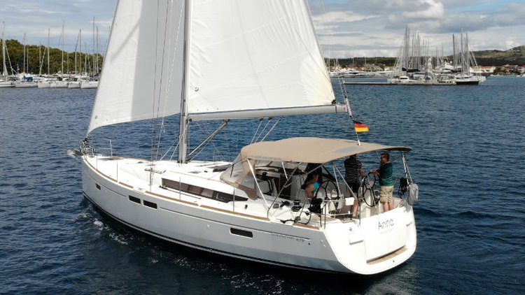 Discover Šibenik region surroundings on this Sun Odyssey 479 Jeanneau boat