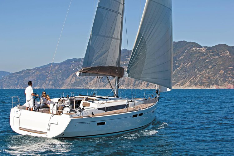 Beautiful Jeanneau Sun Odyssey 479 ideal for sailing and fun in the sun!
