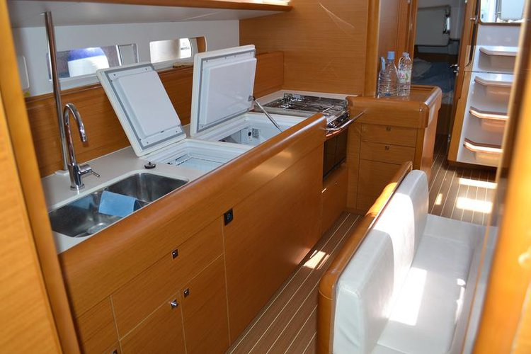 Discover Zadar region surroundings on this Sun Odyssey 509 Jeanneau boat