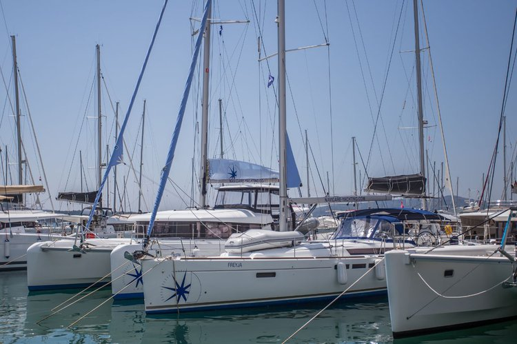 Rent this Jeanneau Sun Odyssey 519 for a true nautical adventure