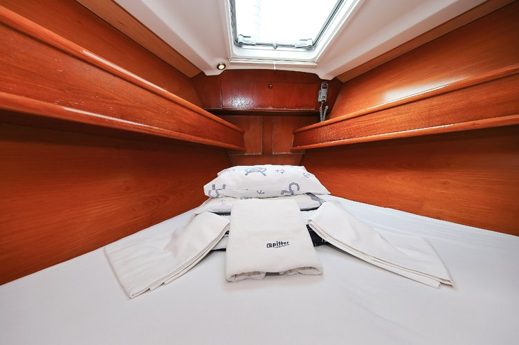 Discover Istra surroundings on this Sun Odyssey 54 DS Jeanneau boat