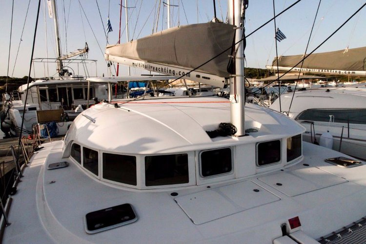 Boating is fun with a Lagoon-Beneteau in Cyclades