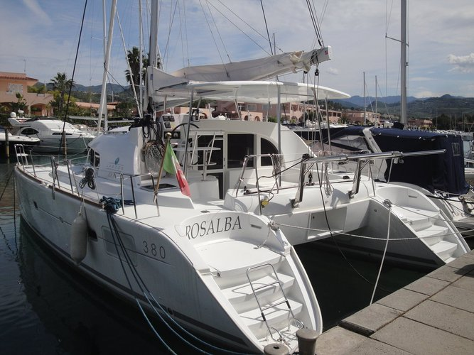 Charter this amazing sailboat in Sicily