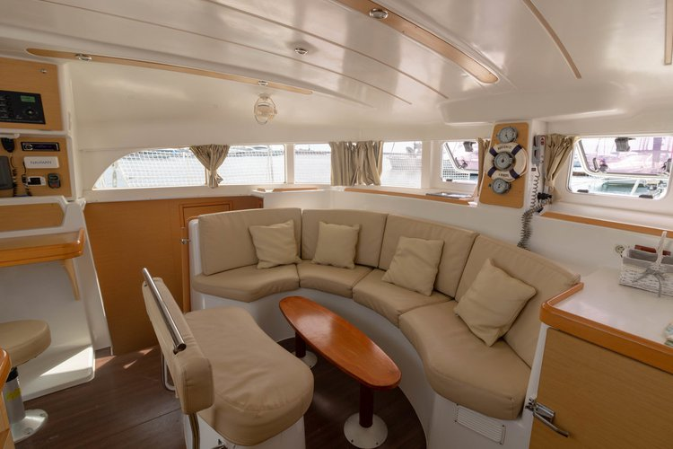 Lagoon-Beneteau boat for rent in Sicily