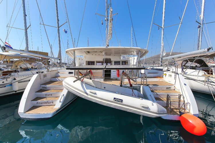 Lagoon-Beneteau boat for rent in
