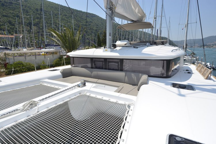 Lagoon-Bénéteau's 45.0 feet in Dubrovnik region