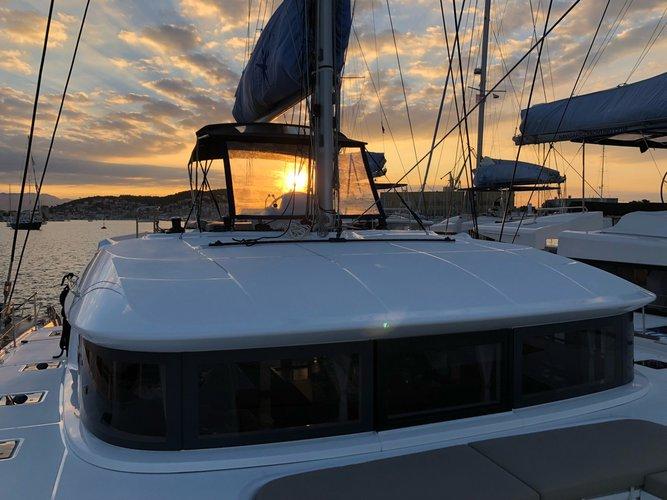 Discover Split region surroundings on this Lagoon 50 Lagoon-Bénéteau boat