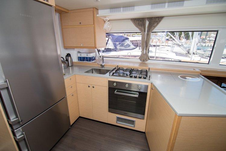 Discover Split region surroundings on this Lagoon 52 F Lagoon-Bénéteau boat