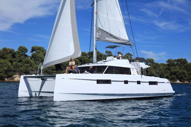 Get on the water and enjoy Saronic Gulf in style on our Nautitech Rochefort Nautitech 46 Fly