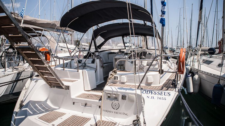 Relax on board our sailboat charter in