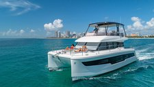 The Modern – 50′ Fountaine Pajot