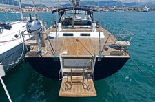 All you need to do is relax and have fun aboard the Bénéteau Beneteau 57