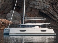 Take this Fountaine Pajot Isla 40 for a spin!