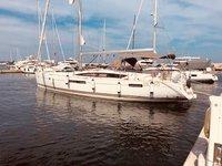 This sailboat charter is perfect to enjoy Sardinia