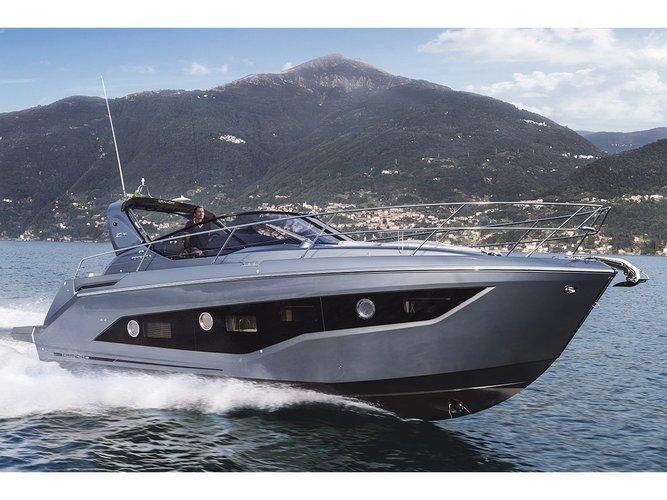 Cruise Castellammare di Stabia, IT waters on a beautiful  Cranchi Z35
