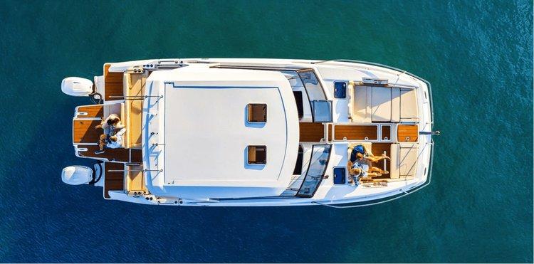 AQUILA's 36.0 feet in Sag Harbor