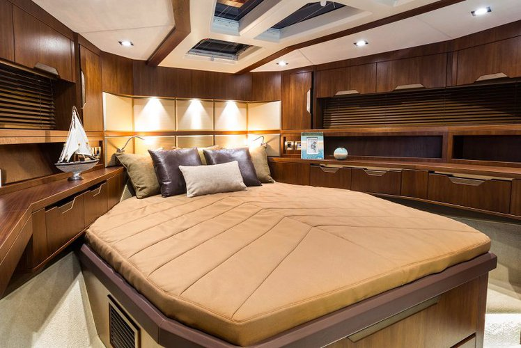 Boating is fun with a Motor yacht in Aventura