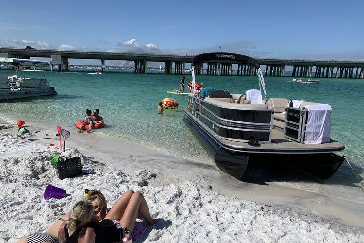 Boat rental in Shalimar, FL