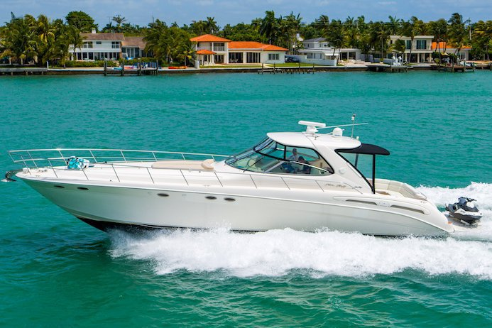 Cruiser boat rental in Harbor West Marina,