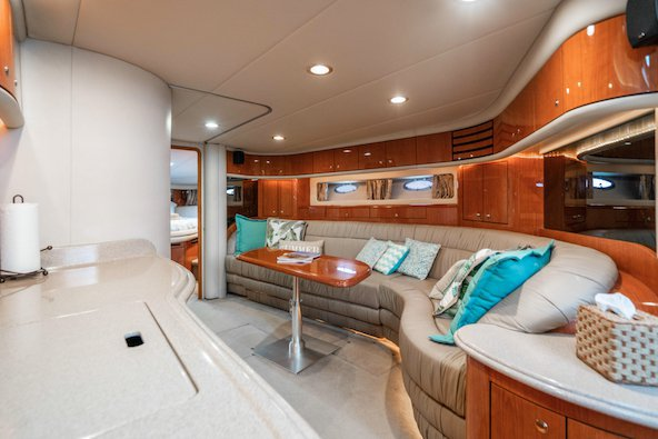 Discover North Bay Village surroundings on this Sundancer SeaRay boat