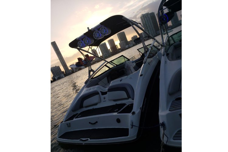 Jet boat boat rental in La Coloma Marina, FL