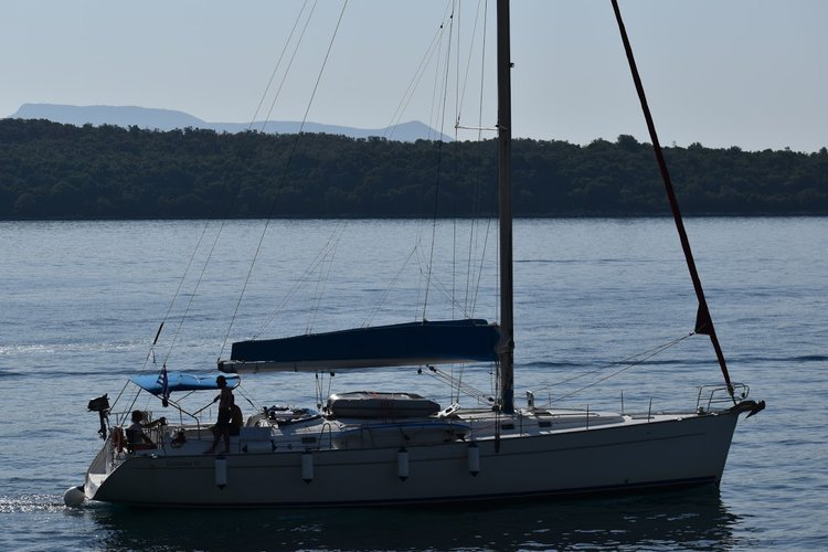 Discover  surroundings on this Cyclades 50.5 Bénéteau boat