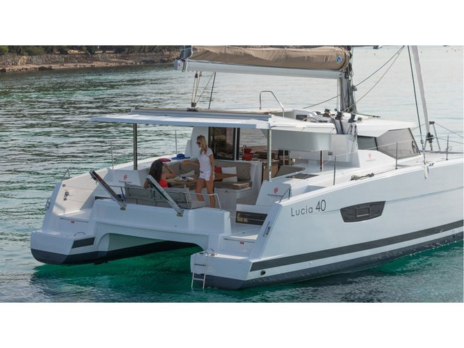 Get on the water and enjoy Capo d'Orlando in style on our Fountaine Pajot Fountaine Pajot LUCIA 40