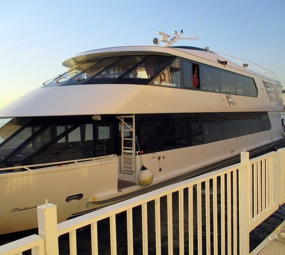 Boating is fun with a Motor yacht in Hoboken