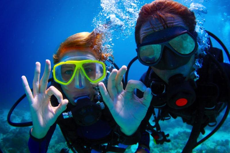 swim-snorkel-Cane-Garden-Bay