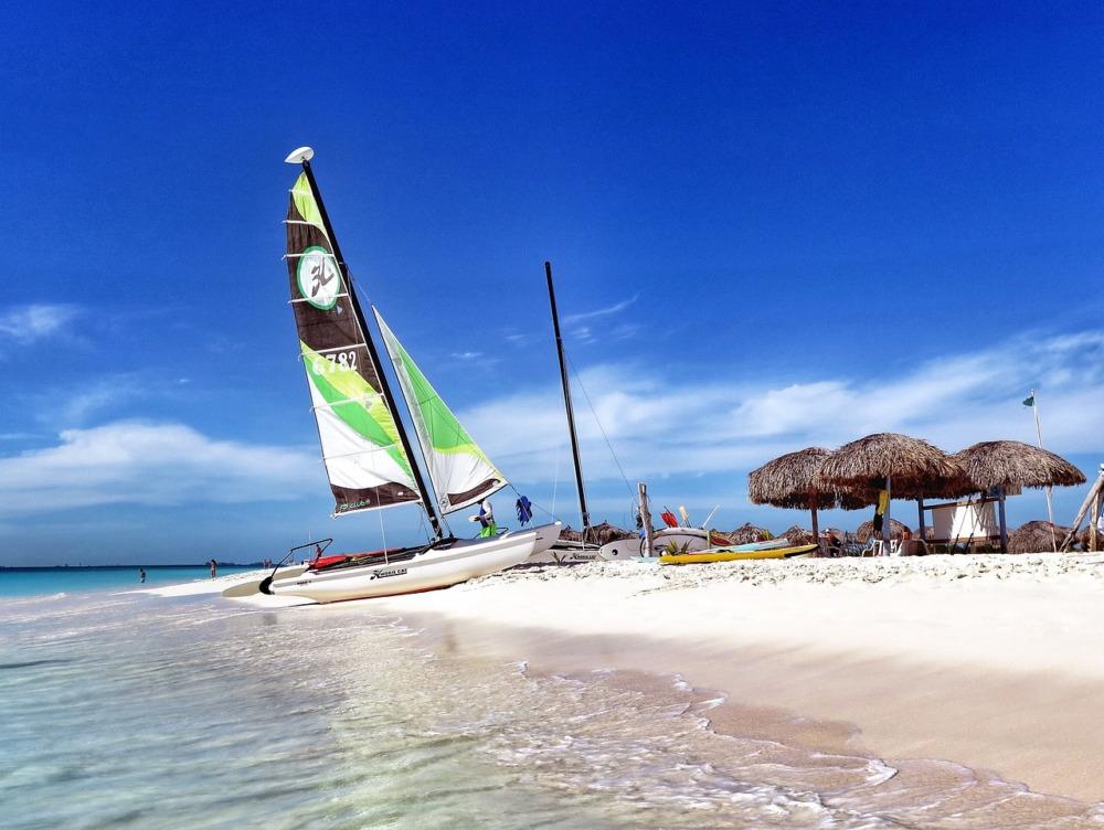 yacht-charter- havana-cayo-blanco