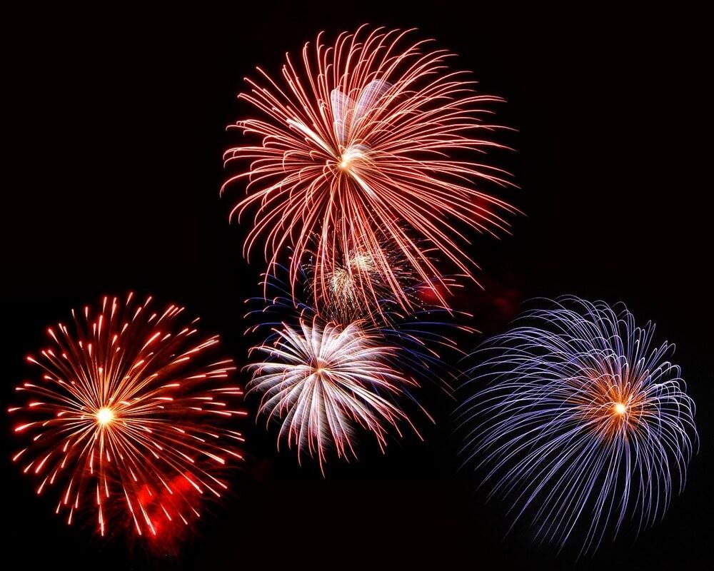 fireworks-hamptons-boat-rentas-sailo-charters