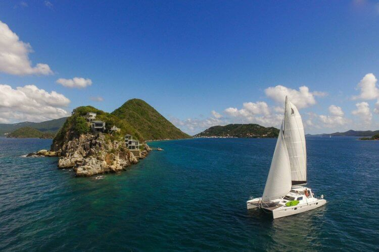 sailboat-charter-bvi-Pirate-Bight