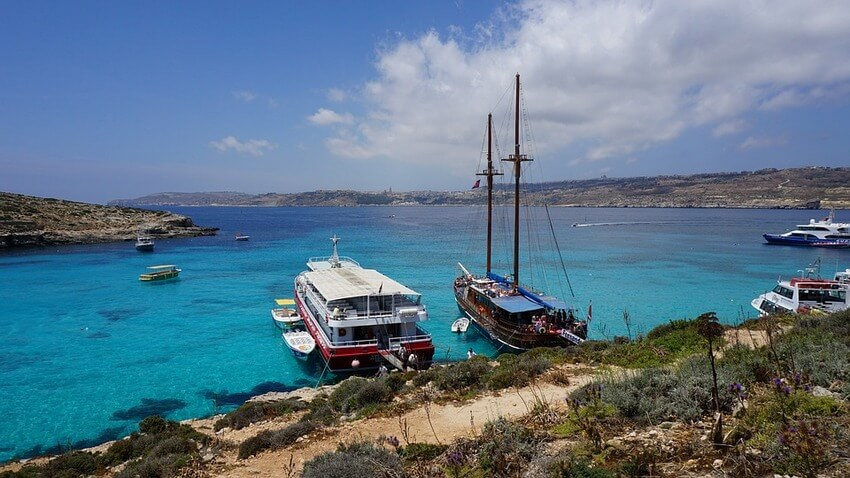 sailing-gozo-comino-malta-boat-tours-sailo-blue-lagoon