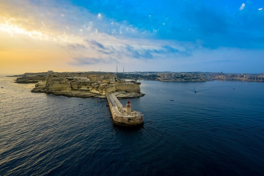 sailing-malta-most-popular-spots-by-sailo-boat-coastal-higlights