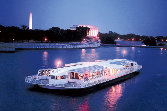 Elegant New Year's Eve Dinner Cruise in Washington, DC
